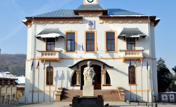 Curtea de Conturi: Prejudiciu de peste 3 milioane lei la Primăria Slatina