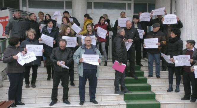 Ce salarii au protestatarii de la APIA Olt și cu cât ar rămâne de la anul